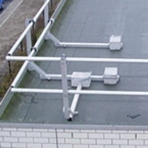 aluminium dakrandbeveiliging - leuningstaander vast
